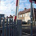 Waterloo: Brook Road level crossing