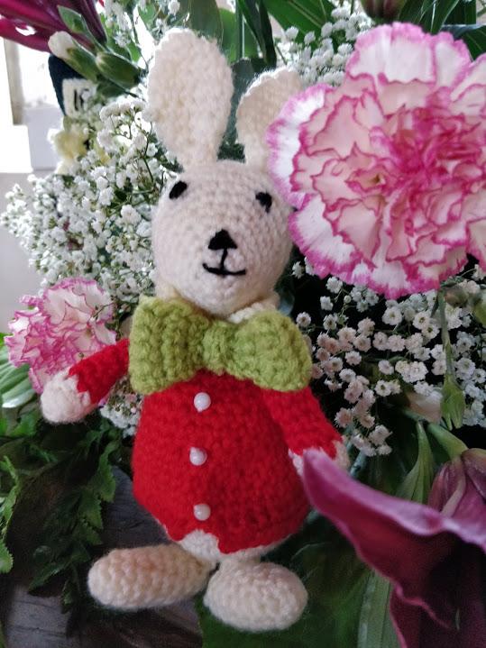 White-rabbit-knitted
