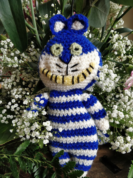 Cheshire-cat-knitted